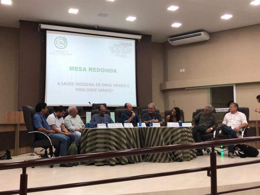 Round table at the Symposium in Sinop, Mato Grosso